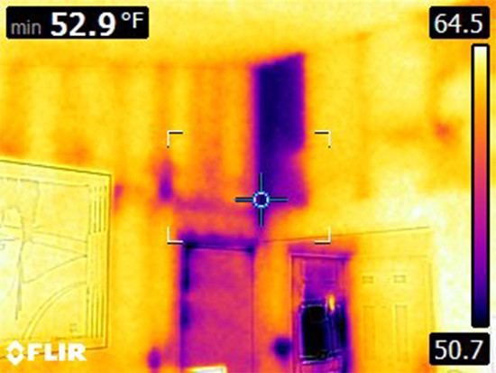 Thermal Image of Missing Wall Insulation in Denver